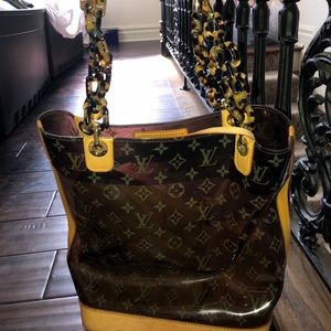 louis vuitton bag. authentic